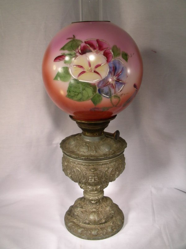 420: ANTIQUE GONE WITH THE WIND LAMP MORNING GLORY MOTI