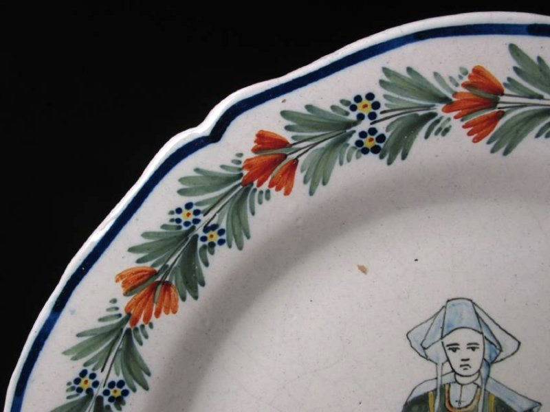 TWO EARLY 20TH C HENRIOT QUIMPER PLATES - 2