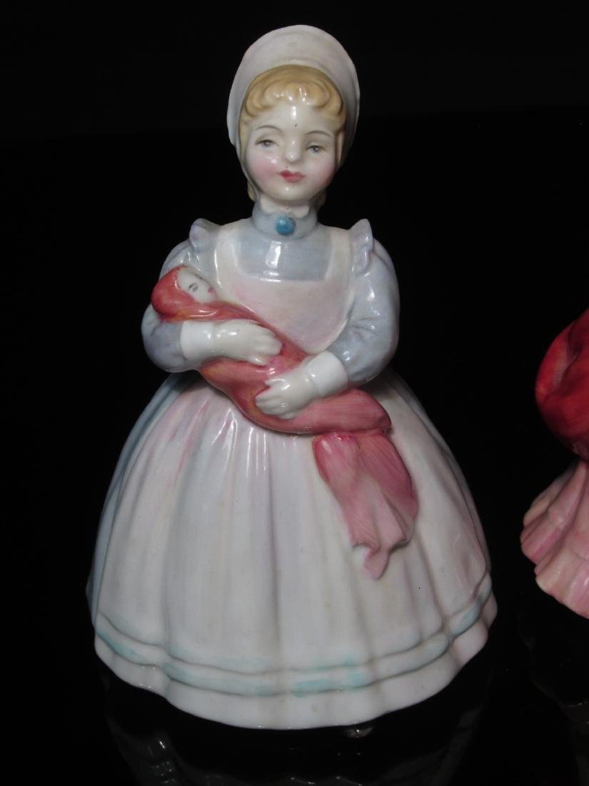 FIVE PORCELAIN FIGURINES ROYAL DOULTON & WORCESTER - 8