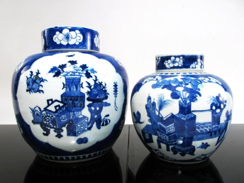 TWO CHINESE EARLY 20TH C BLUE & WHITE GINGER JARS