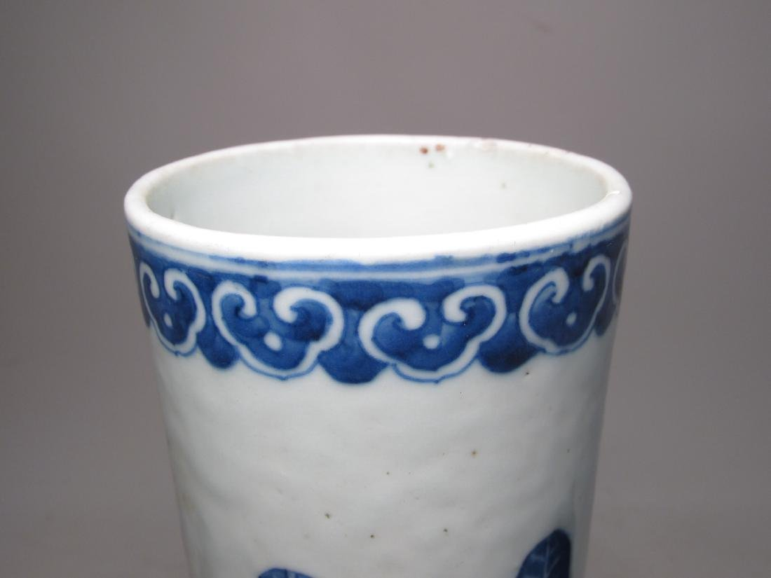 CHINESE QING DYNASTY BLUE & WHITE PORCELAIN VASE - 10