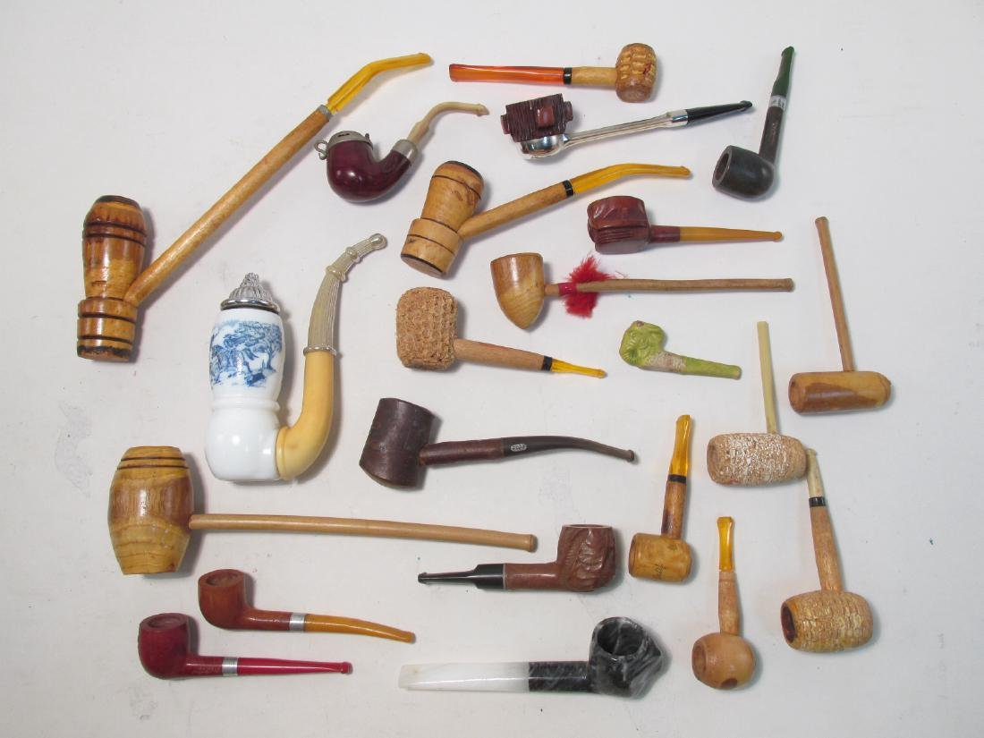 TWENTY-ONE VINTAGE ASSORTED TOBACCO SMOKING PIPES