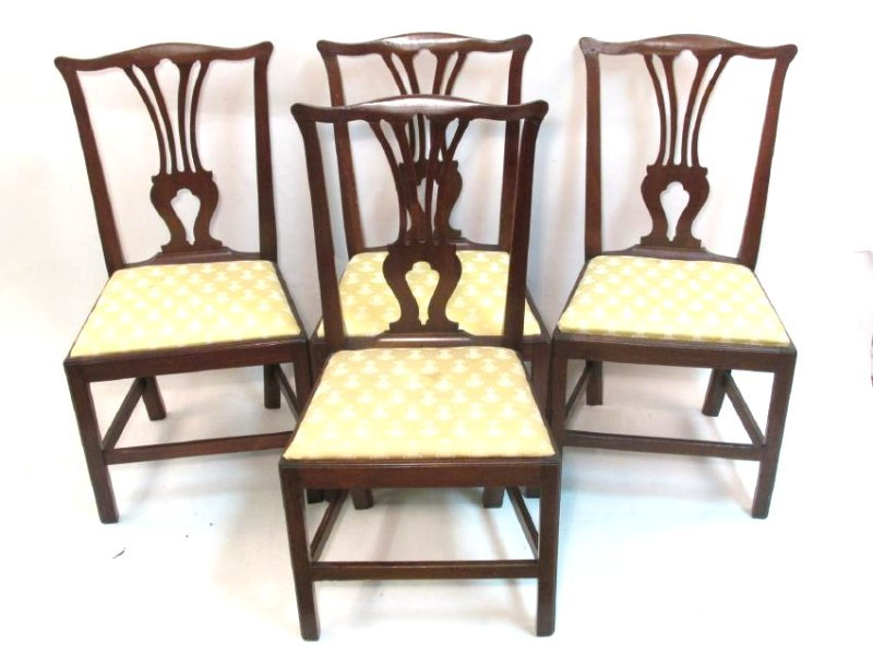 FOUR EARLY 19TH C CHIPPENDALE STYLE DINING CHAIRS