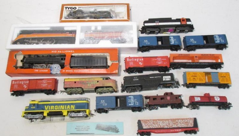 VINTAGE LIONEL & TYCO HO GAUGE MODEL SCALE TRAINS