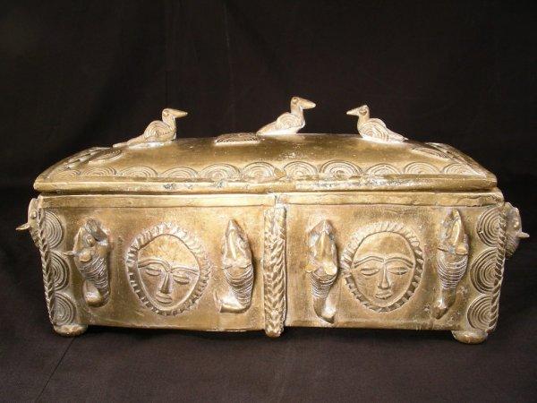512: AFRICAN ASHANTI BRONZE POWDER BOX