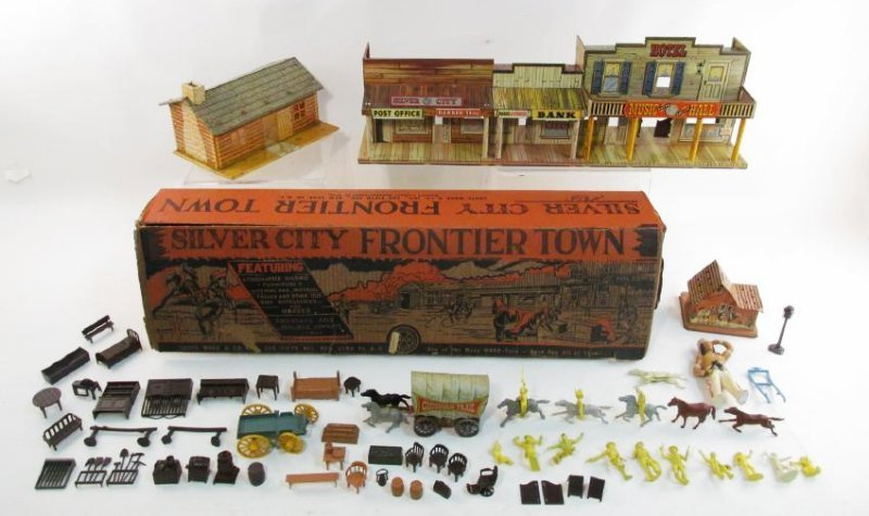 VINTAGE SILVER CITY FRONTIER TOWN TOY SET TIN LITH