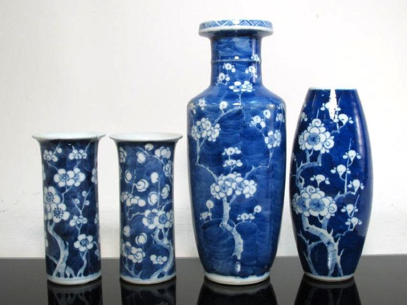 FOUR CHINESE QING DYNASTY PORCELAIN PRUNUS VASES