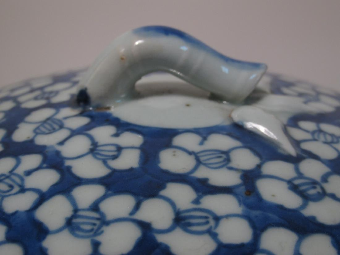 CHINESE MID QING DYNASTY BLUE & WHITE CYLINDER JAR - 3
