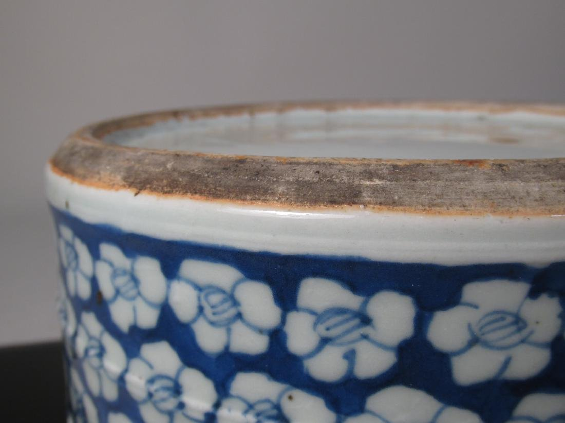 CHINESE MID QING DYNASTY BLUE & WHITE CYLINDER JAR - 9