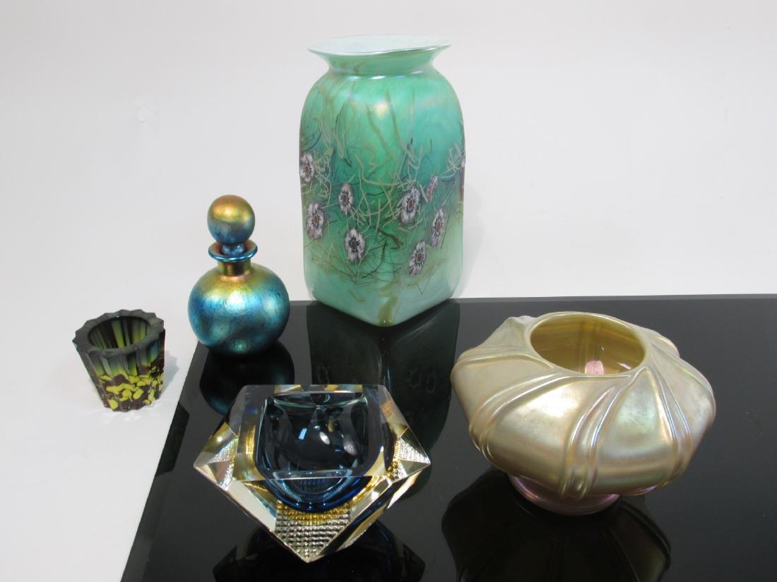 FIVE PIECES ASSORTED ART GLASS: LUNDBERG, ETC