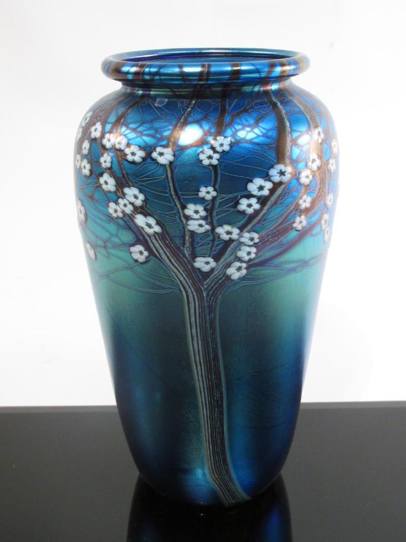 ORIENT & FLUME FLORAL IRIDIZED ART GLASS VASE 9.75