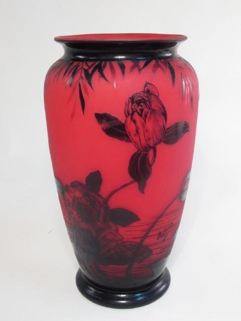 RICHARD ETCHED CAMEO ART GLASS VASE