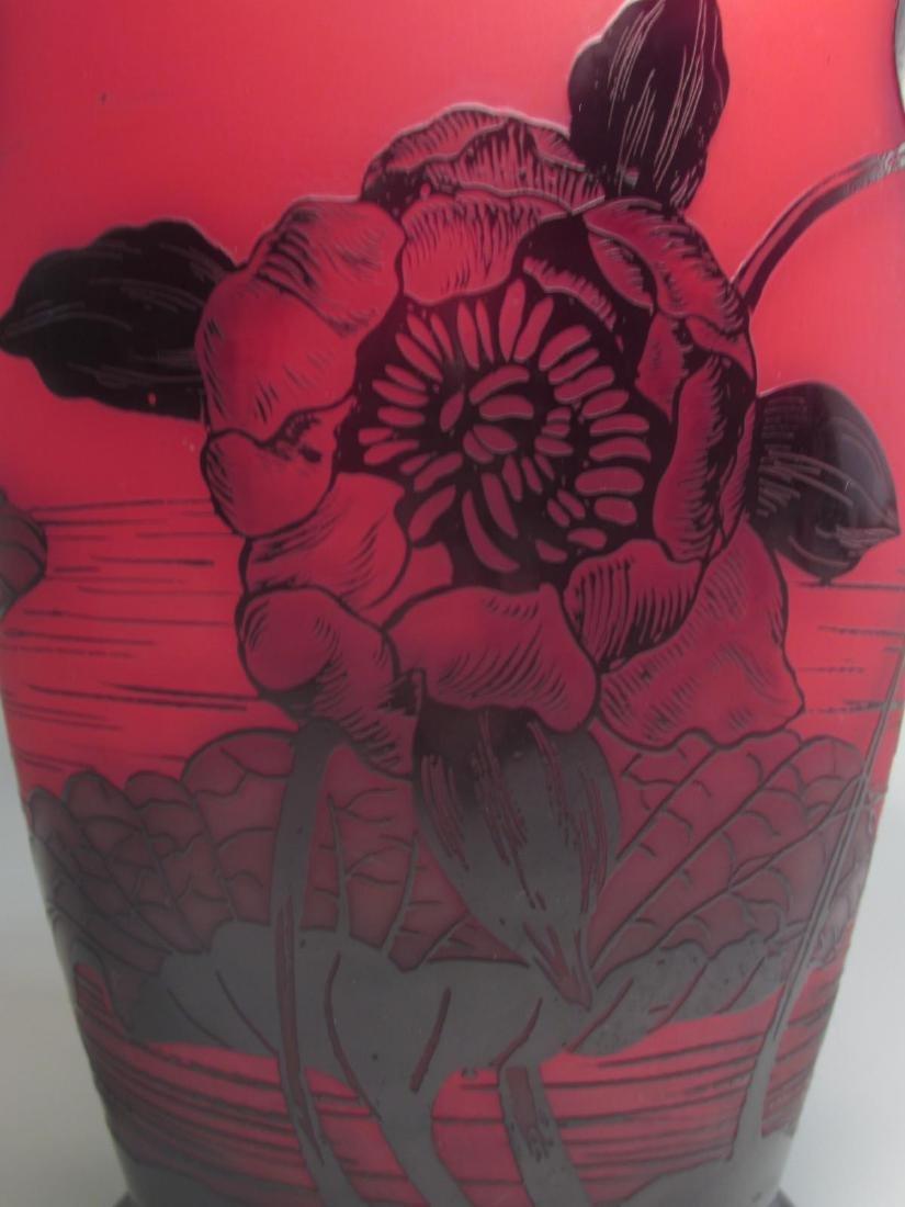 RICHARD ETCHED CAMEO ART GLASS VASE - 3