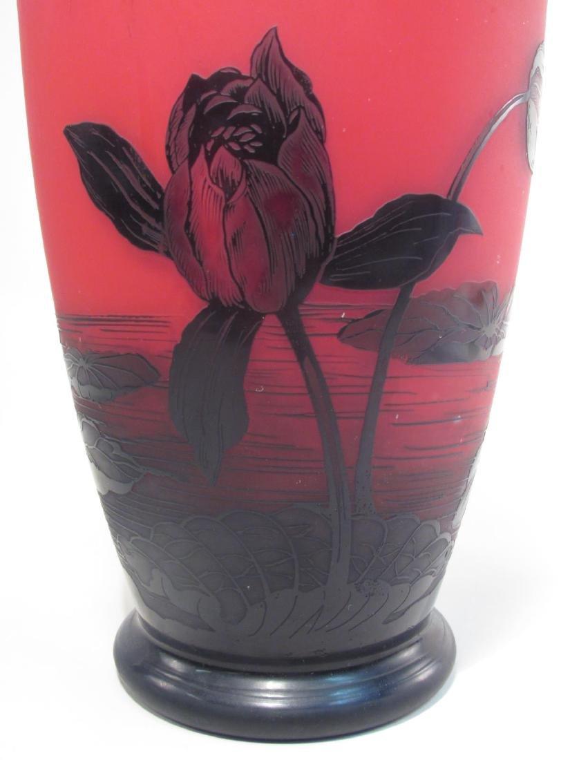 RICHARD ETCHED CAMEO ART GLASS VASE - 4