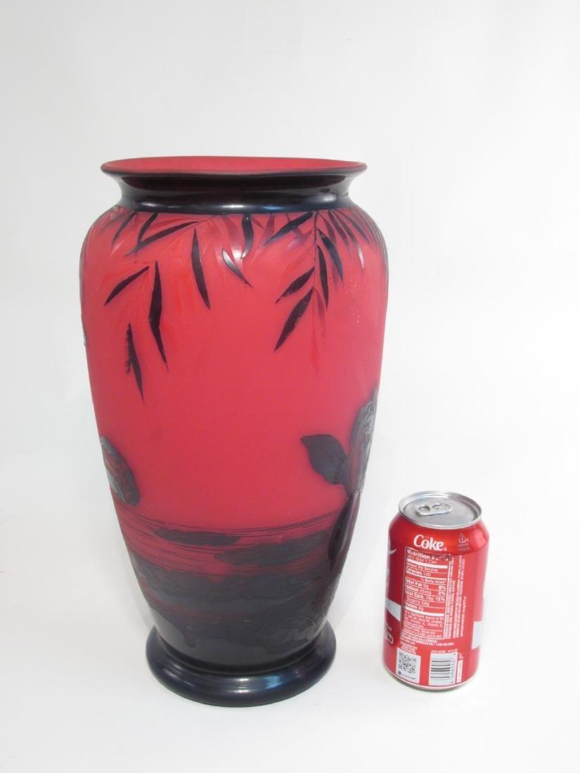 RICHARD ETCHED CAMEO ART GLASS VASE - 9