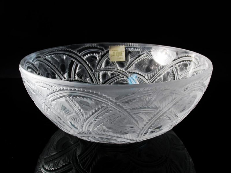 """LALIQUE """"PINSONS"""" FROSTED CRYSTAL BOWL"""