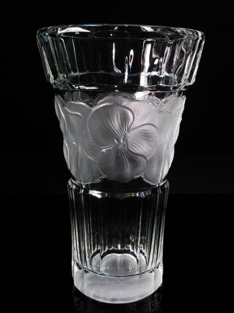 R. LALIQUE CRYSTAL HIBISCUS FLOWER VASE