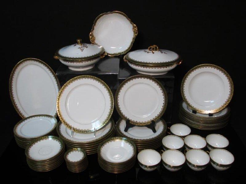 HAVILAND LIMOGES GREEN GOLD PORCELAIN DINNERWARE
