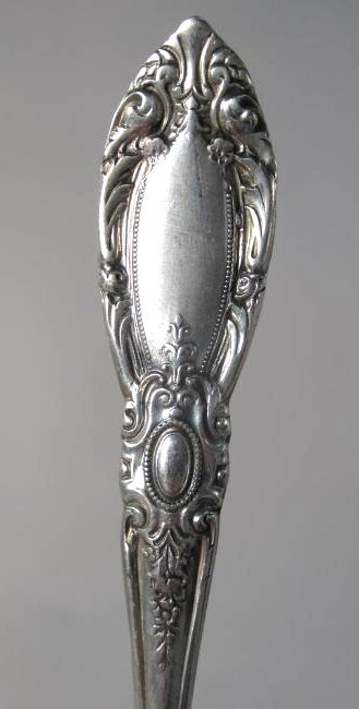 """TOWLE """"KING RICHARD"""" STERLING SILVER FLATWARE 74 T - 7"""