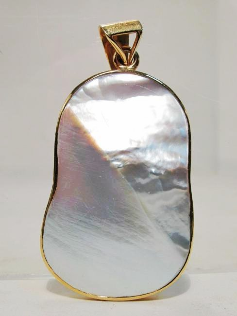 LARGE NATURAL MABE PEARL & 18K YELLOW GOLD PENDANT - 2