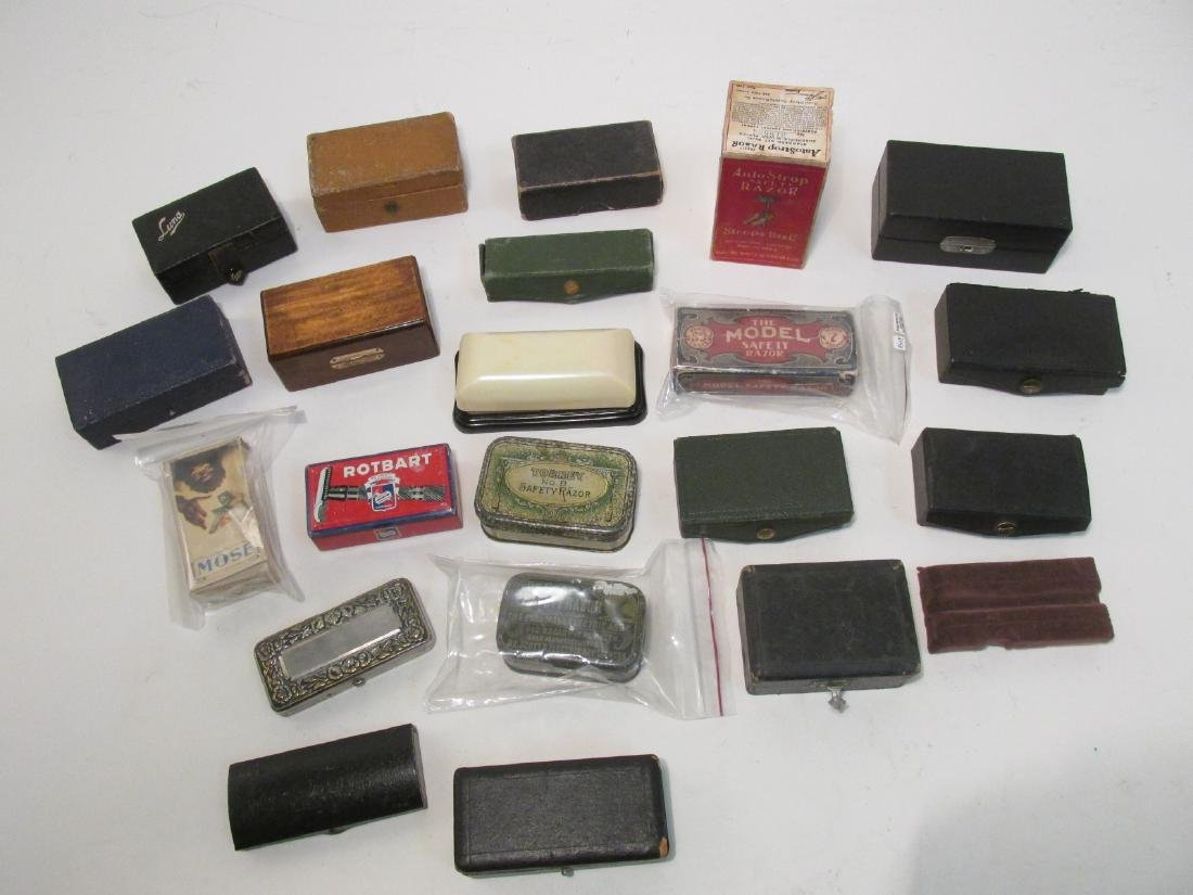 ASSORTED VINTAGE EMPTY SAFETY RAZOR BOXES & TINS