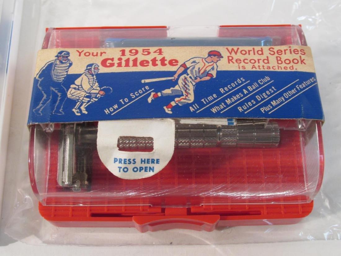 EIGHT VINTAGE GILLETTE DE SAFETY RAZORS - 5