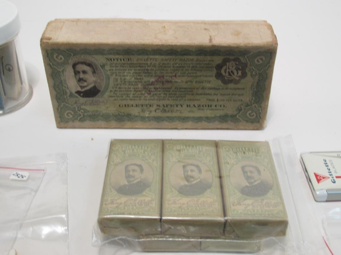 ASSORTED VINTAGE GILLETTE SAFETY RAZOR BLADES - 10