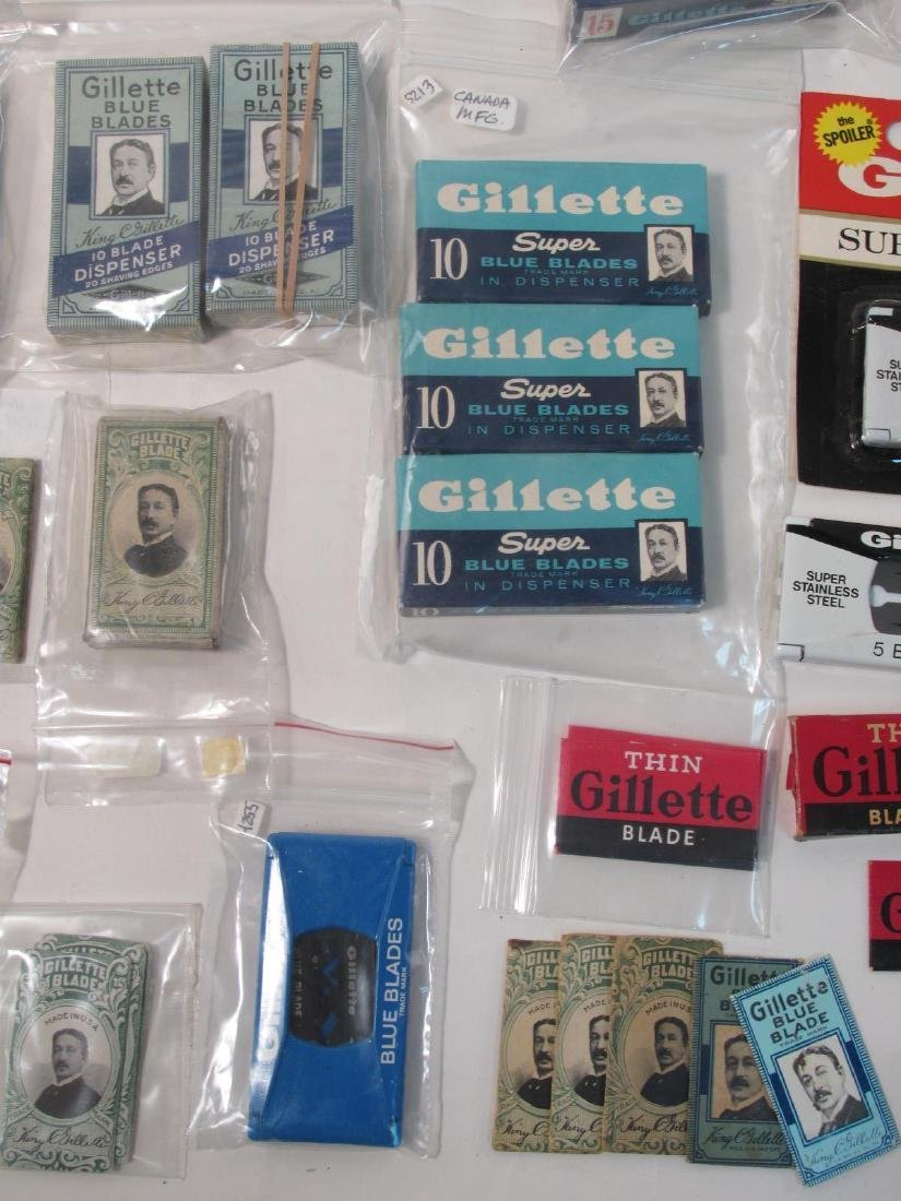 ASSORTED VINTAGE GILLETTE SAFETY RAZOR BLADES - 8