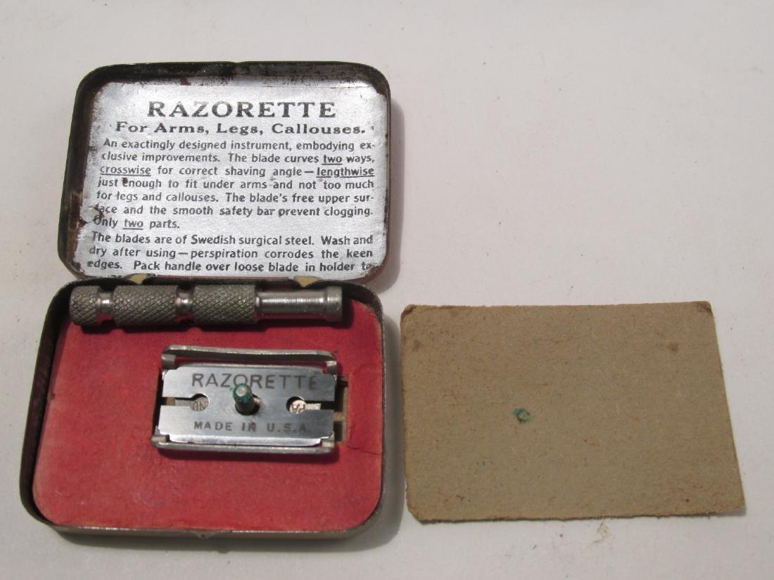 VINTAGE MINIATURE SAFETY RAZORS: DAINTEESHAVE, FEA - 5