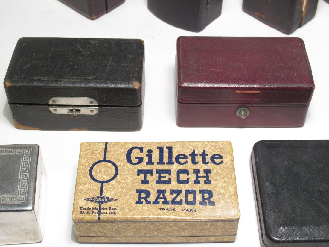 ELEVEN VINTAGE GILLETTE SAFETY RAZOR BOXES - 4