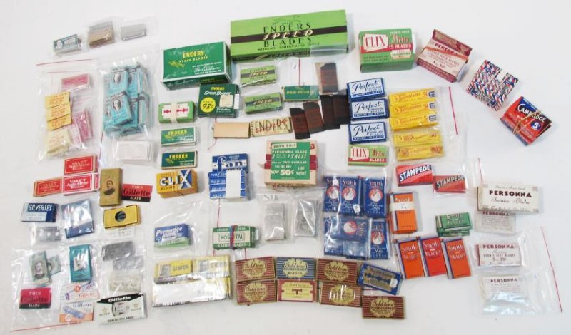 COLLECTION VINTAGE SAFETY RAZOR BLADES VALET SMITH