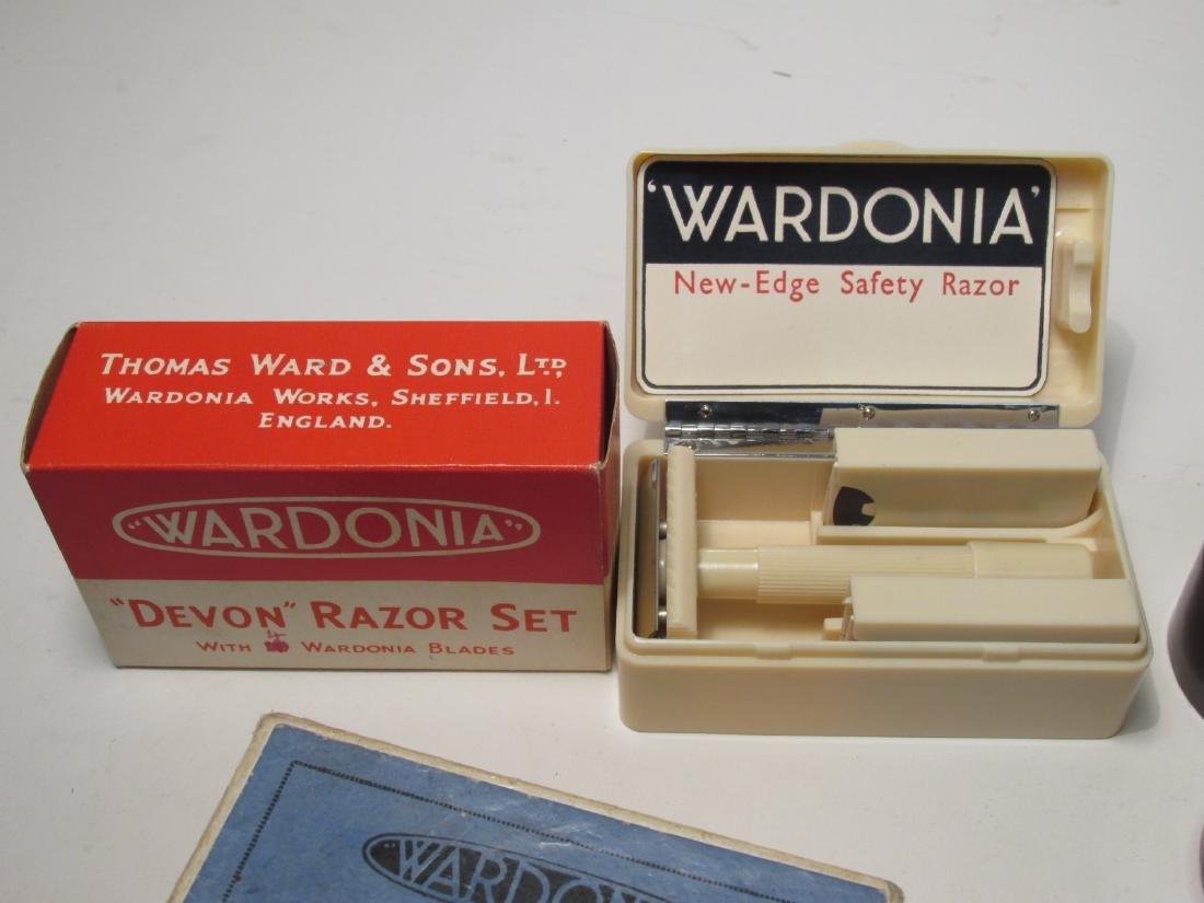 ASSORTED VINTAGE SAFETY RAZORS: WARDONIA, ETC. - 5