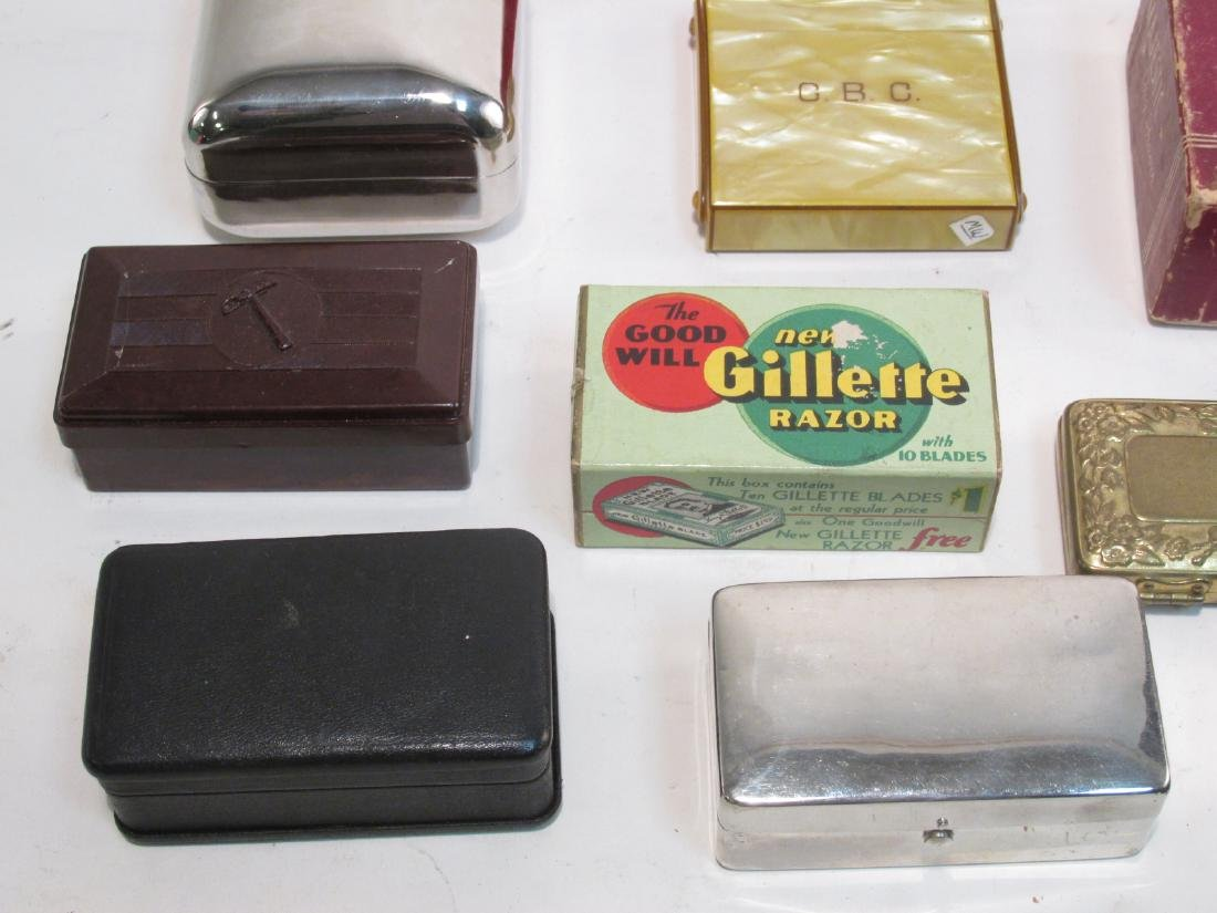 ASSORTED VINTAGE EMPTY SAFETY RAZOR BOXES/CASES - 3