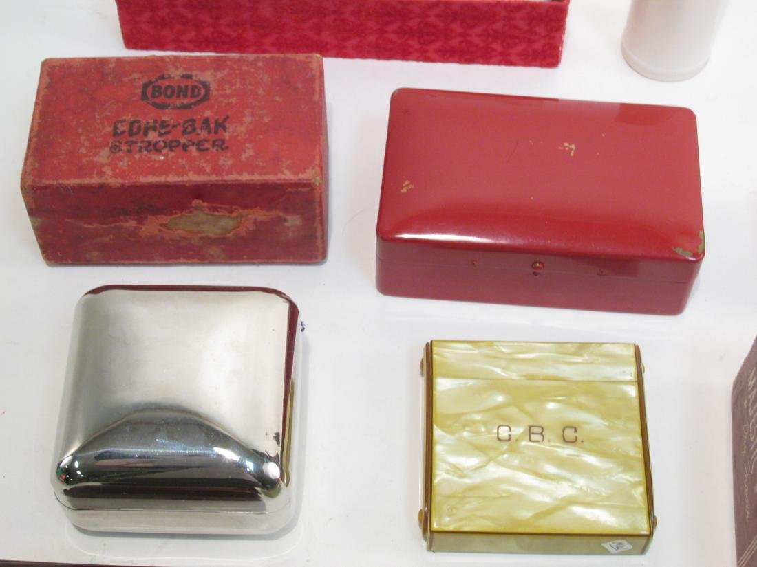 ASSORTED VINTAGE EMPTY SAFETY RAZOR BOXES/CASES - 4