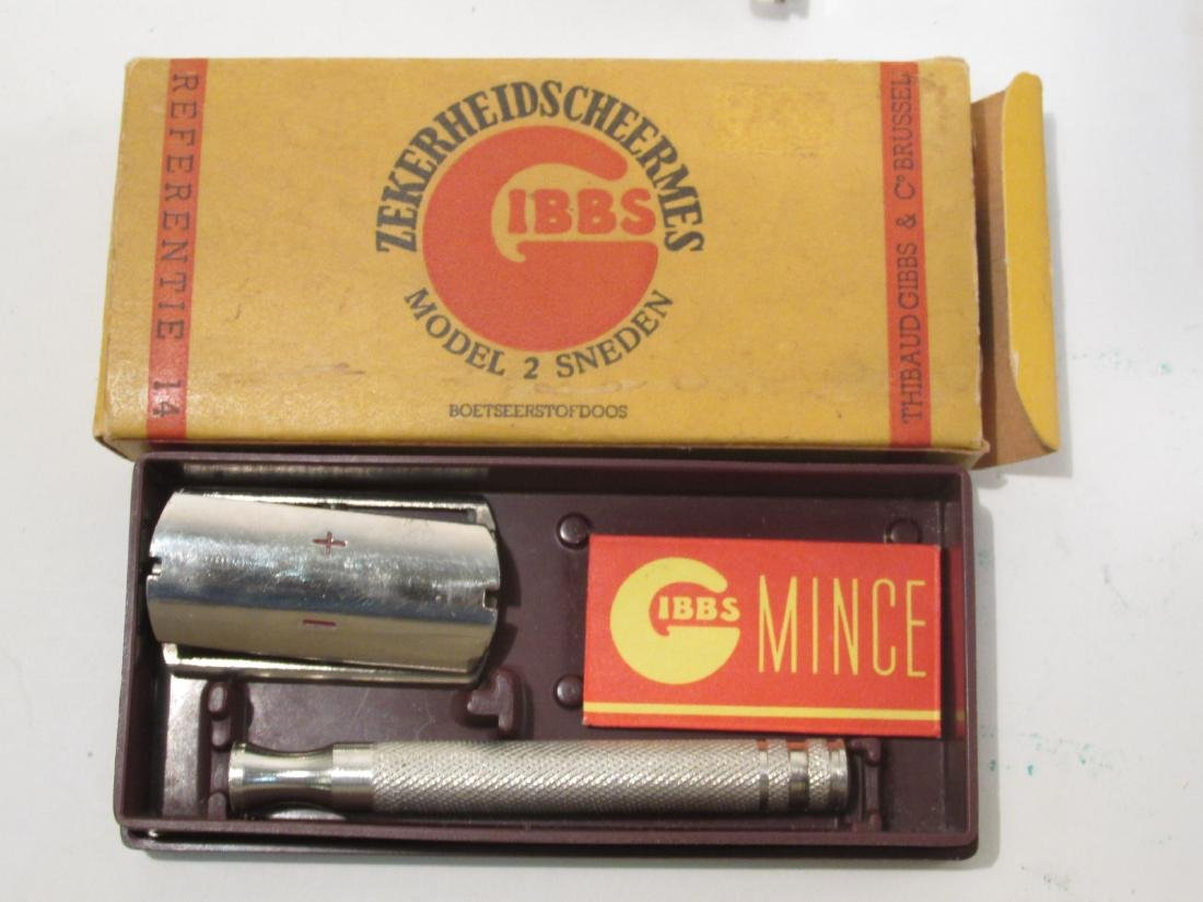 EIGHT VINTAGE COLLECTABLE SAFETY RAZORS: ERST, ETC - 8