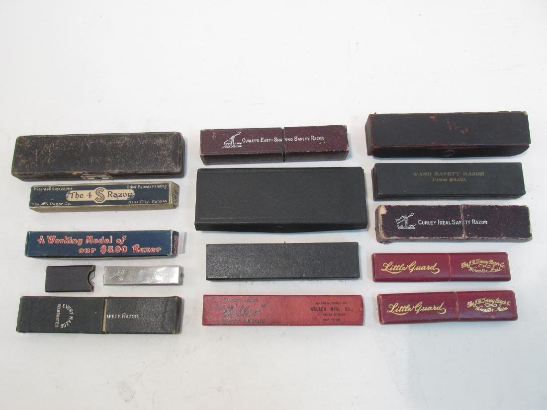 ASSORTED ANTIQUE AND VINTAGE STRAIGHT RAZORS