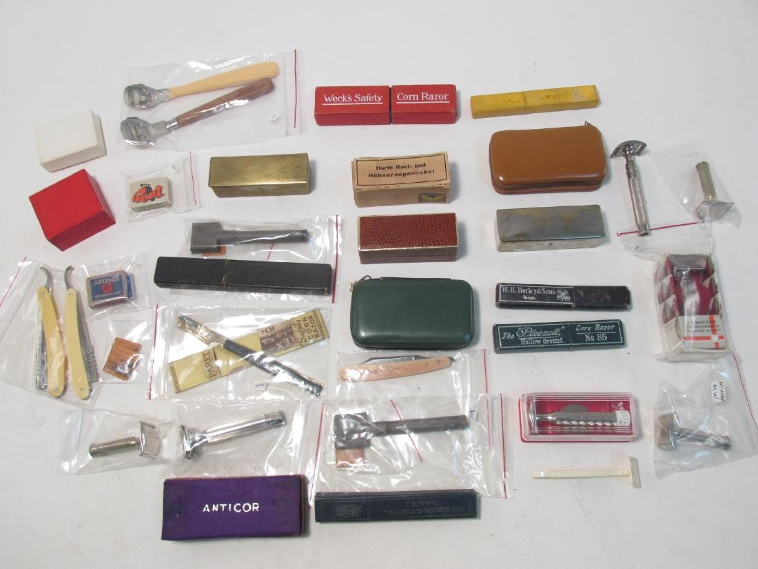 COLLECTION ASSORTED VINTAGE CORN RAZORS/PARERS
