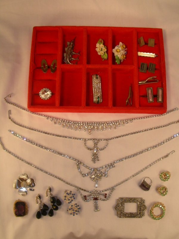 903: COSTUME JEWELRY RHINESTONES PINS EARRINGS CUFFLINK