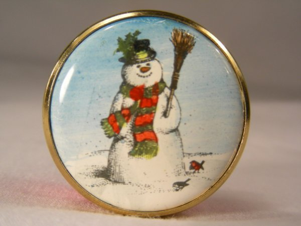 908: BILSTON BATTERSEA SNOW MAN MINIATURE ENAMEL BOX