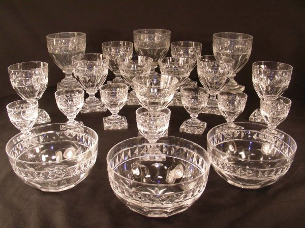 911: 22 PC ASST CRYSTAL STEMWARE FINGER BOWLS