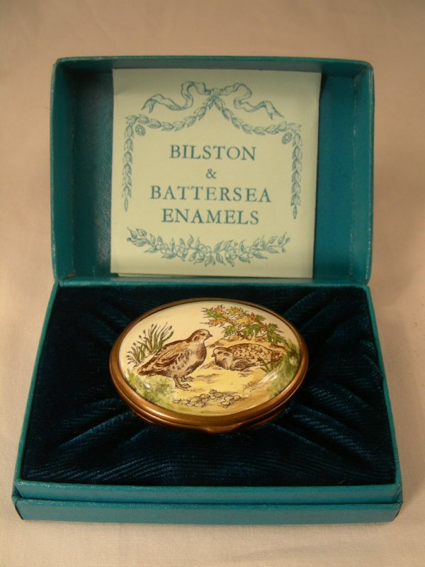 915: BILSTON BATTERSEA PAIR OF BIRDS QUAIL ENAMEL BOX