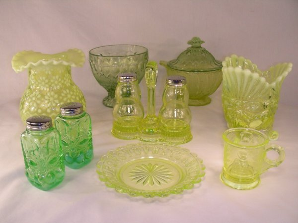 921: BOX LOT OPALESCENT VASELINE GLASS 10 PCS