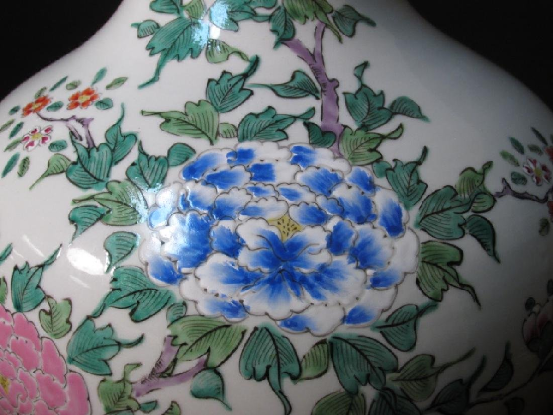 PAIR CHINESE FAMILLE ROSE PORCELAIN LAMPS - 4