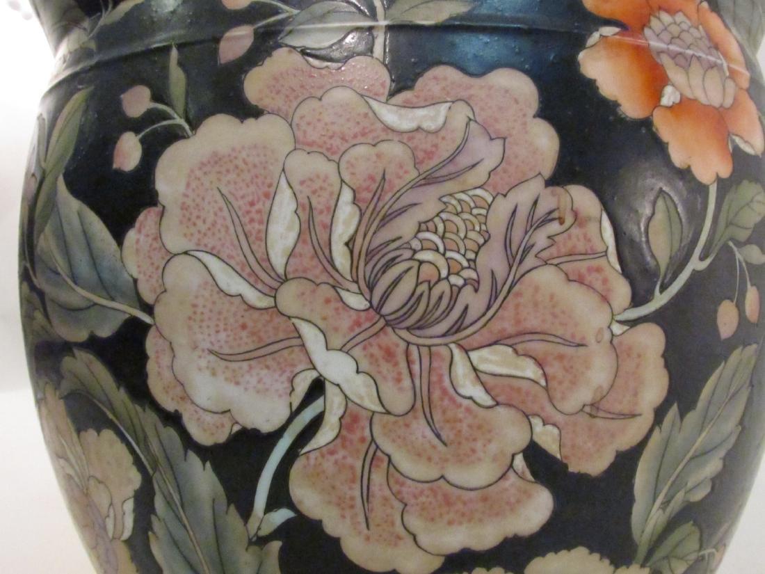 PAIR CHINESE FAMILLE NOIRE POTS / PLANTERS & A BOX - 4