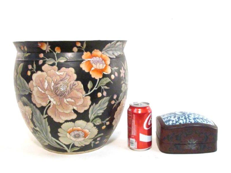 PAIR CHINESE FAMILLE NOIRE POTS / PLANTERS & A BOX - 6
