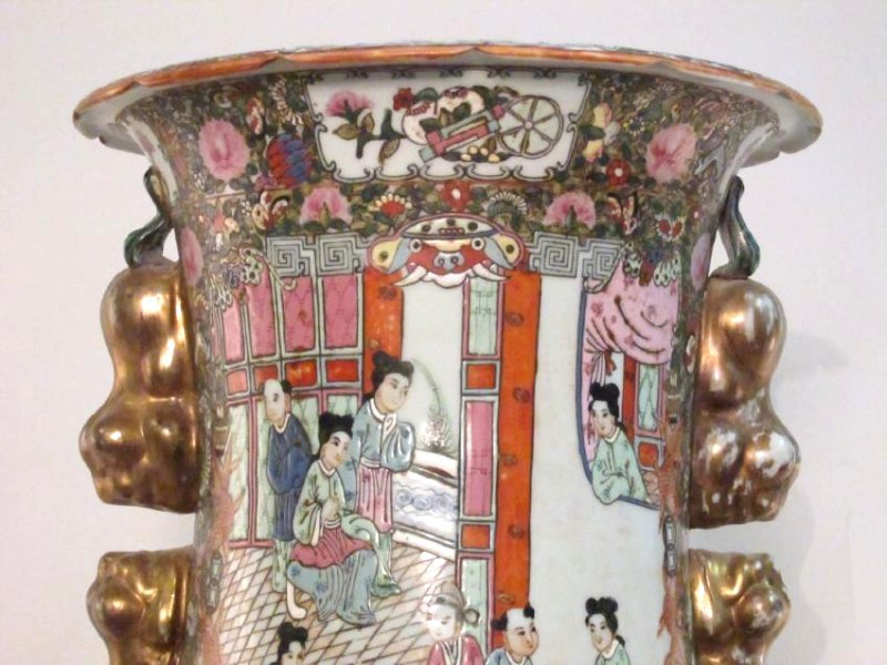 PAIR CHINESE QIANLONG FAMILLE ROSE FLOOR VASES - 4