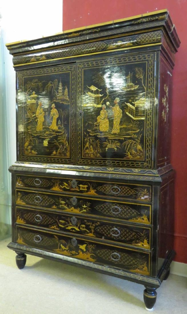 19TH C CHINESE EXPORT BLACK LACQUER CABINET