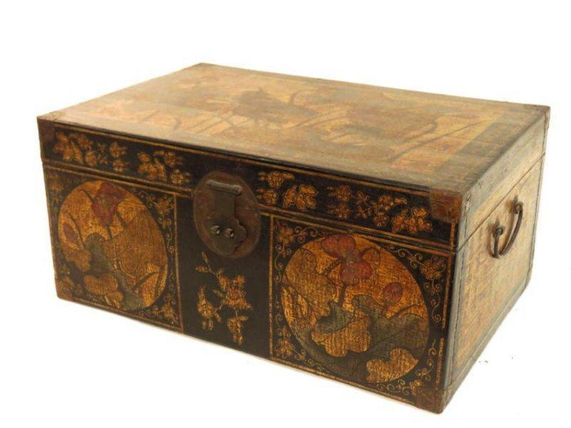 ANTIQUE CHINESE LACQUERED CHEST