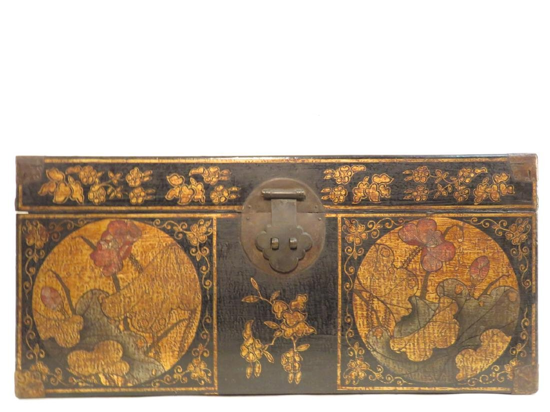 ANTIQUE CHINESE LACQUERED CHEST - 2