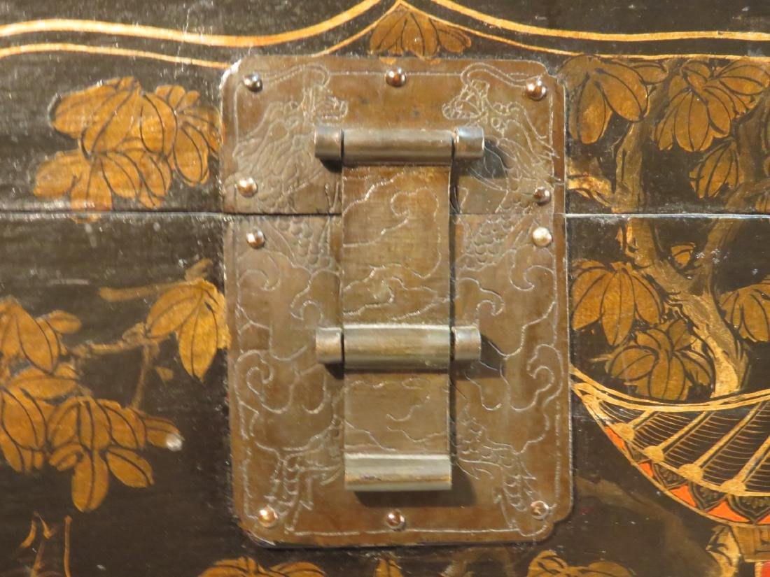ANTIQUE JAPANESE LACQUERED STORAGE BOX - 3